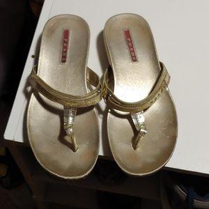 Prada gold flip flips SZ 36/6